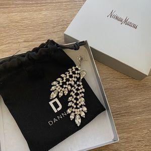 NIB Vetiver Crystal Drop Earrings